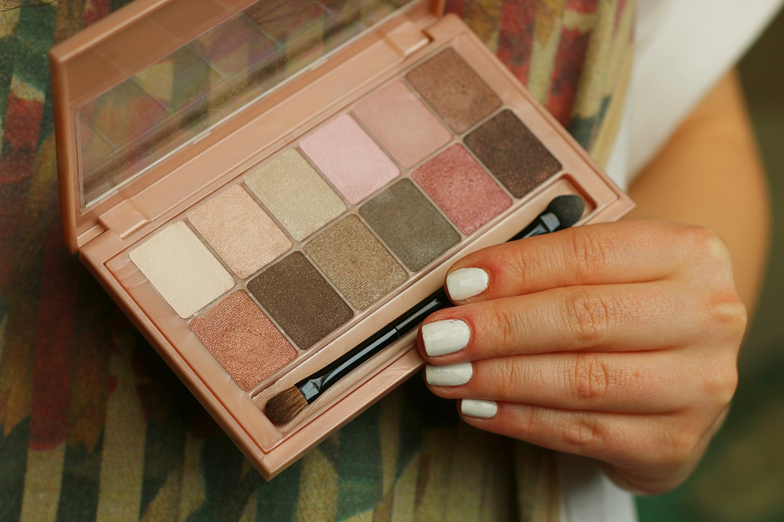 the_blushed_nudes_maybelline3