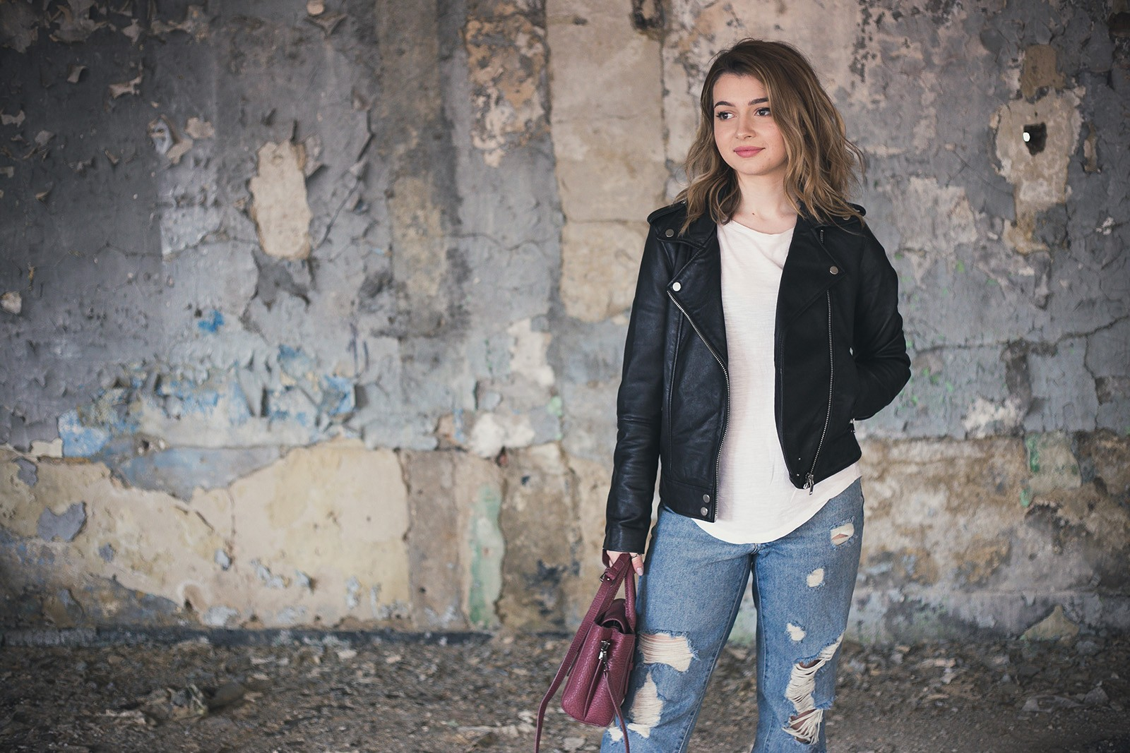 denisaismam-leather-jacket-boyfriend-jeans-burgundy-bag_1922