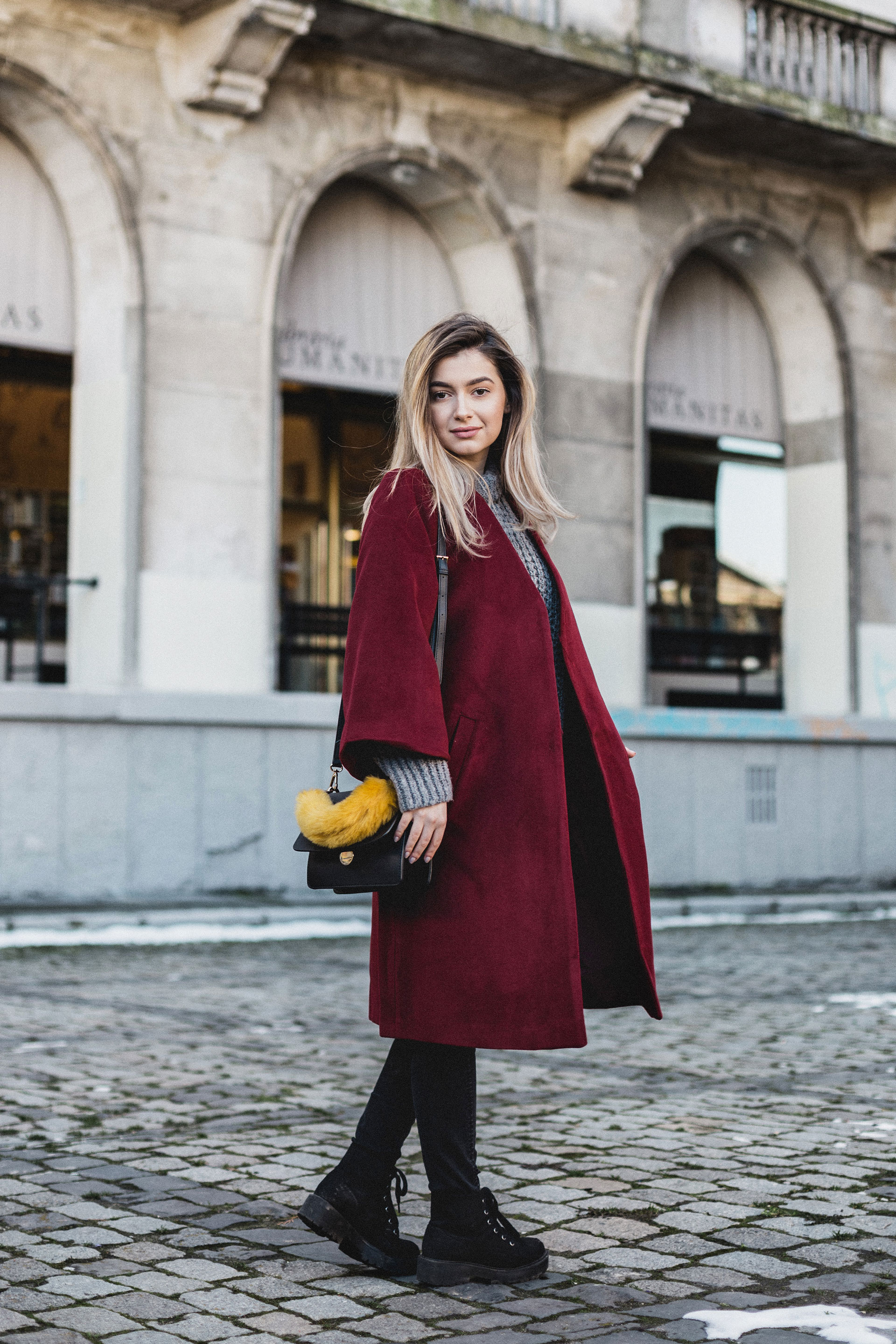 red coat denisa sima