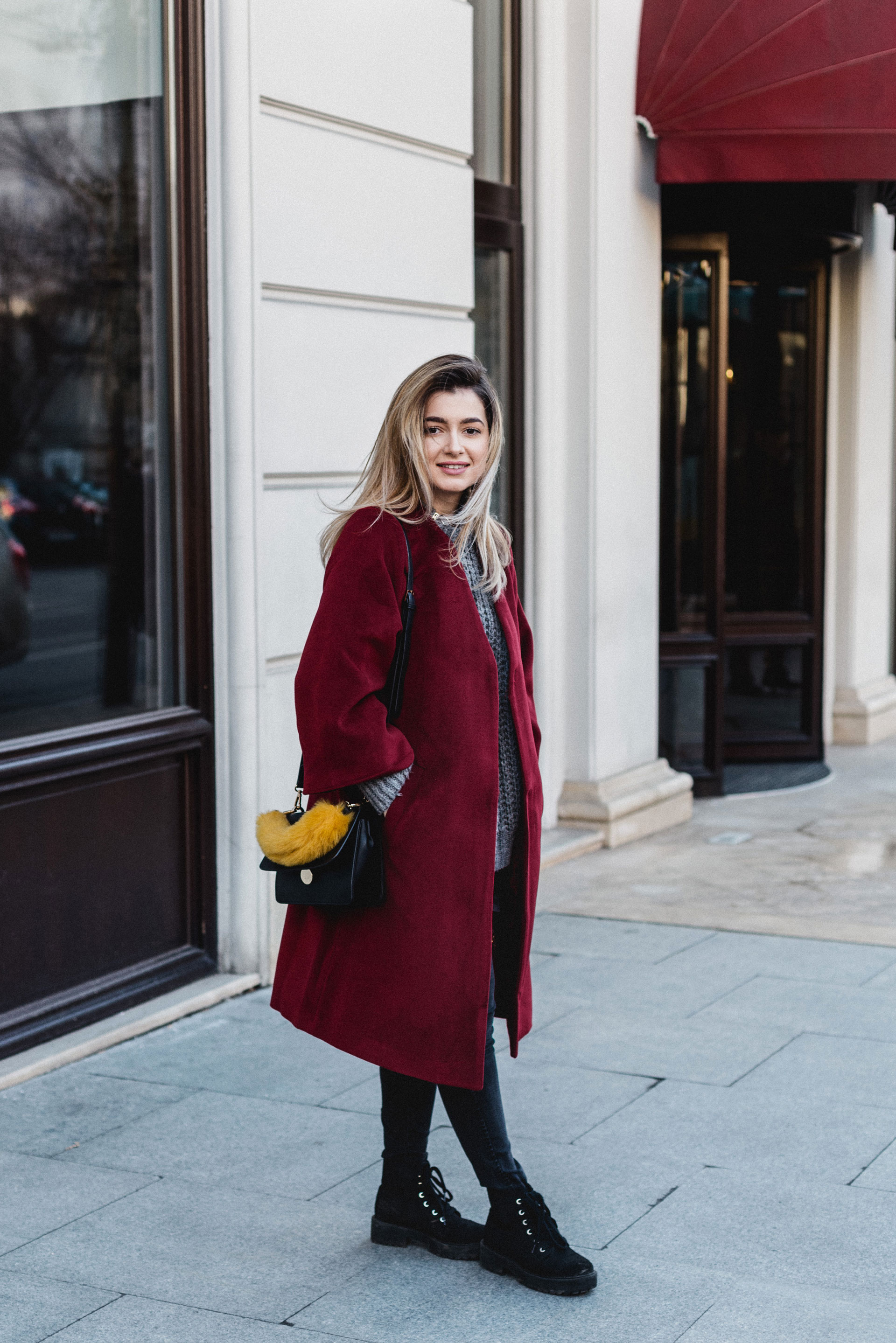 BIG RED COAT & comfort zone